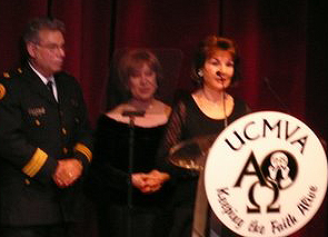 Marilla Ness Accepts International Artist of the Year Award